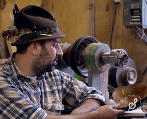 Der Waldweber und seine Holzkunst