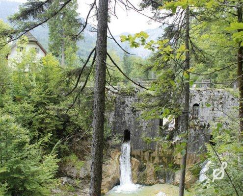 Still und idylisch liegt die Chorinskyklause mitten im Weißenbachtal, eine Oase der Ruhe.