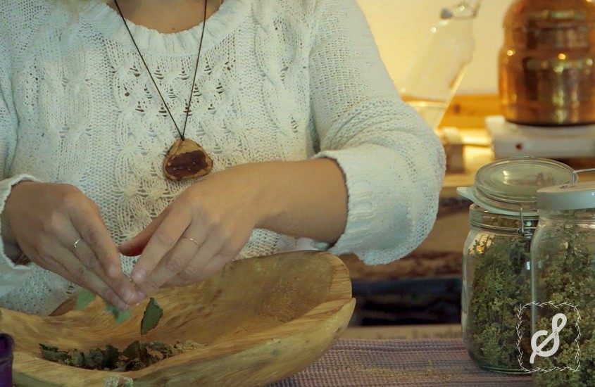 Kräutertee aus dem Hexenatelier